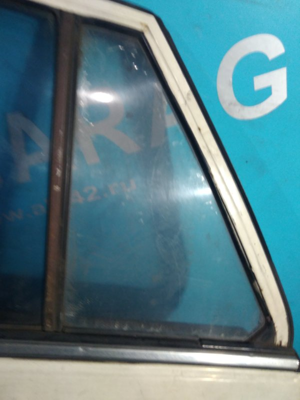 Форточка двери Nissan Bluebird U11 CA18 задняя левая