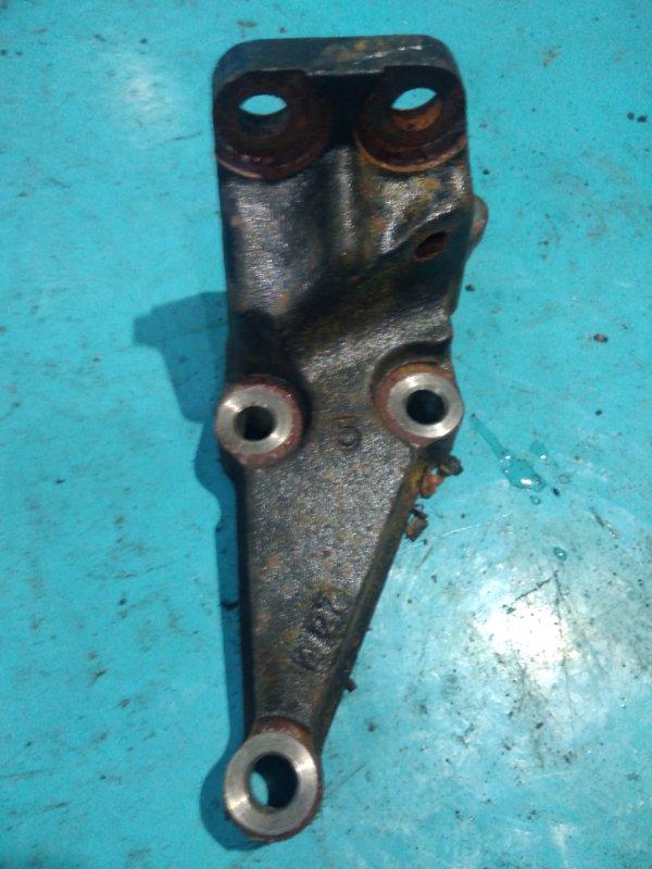 Кронштейн опоры двигателя Toyota Celica ZZT230 1ZZ-FE
