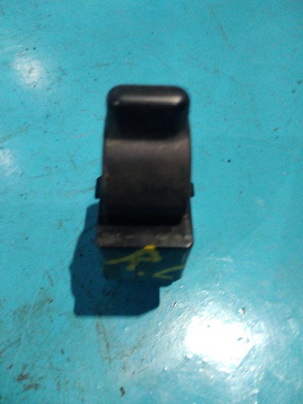 Кнопка стеклоподъемника Nissan Serena C25 MR20-DE 2006г задняя левая