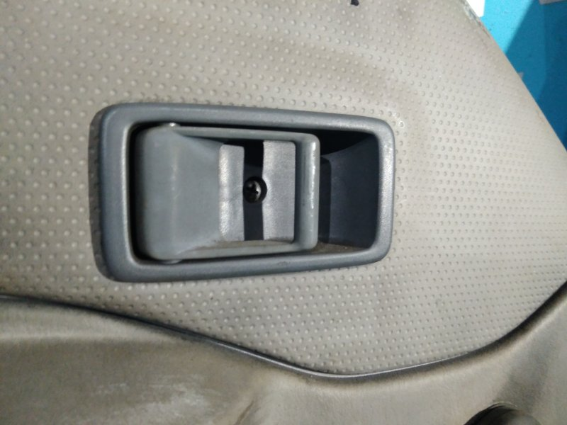 Ручка двери внутренняя Mazda Bongo Brawny SD5AT передняя левая