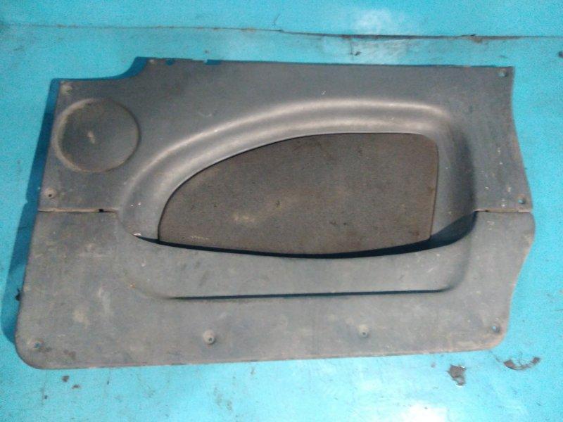 Обшивка двери Ваз Надежда 21200 2130 2001г задняя правая