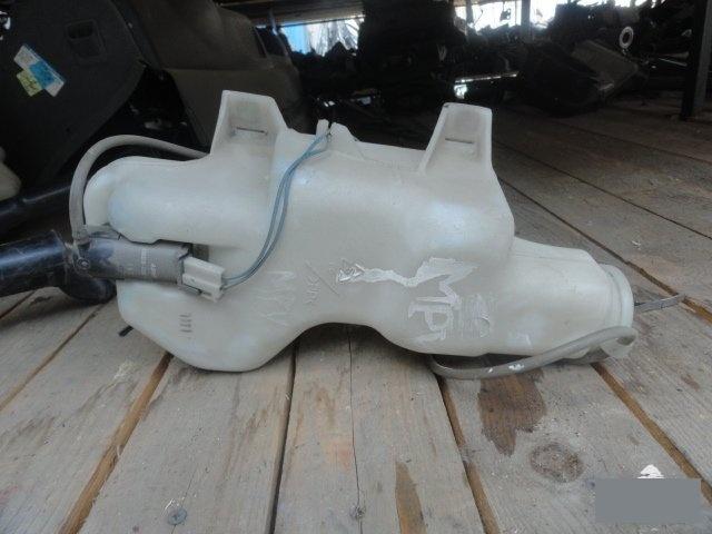 Бачок омывателя Mazda Mpv LVLR WL (б/у)
