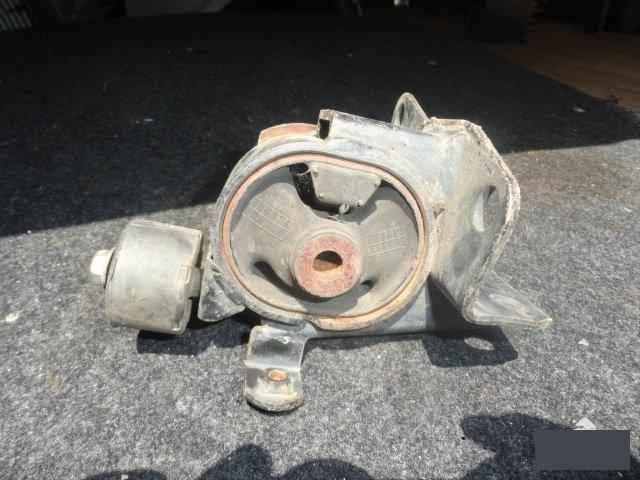 Подушка кпп Toyota Corolla Spacio ZZE122 1ZZFE (б/у)