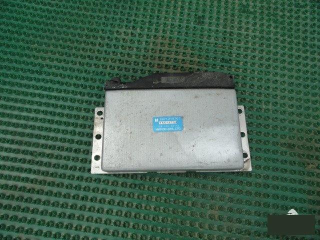 Электронный блок Isuzu Vehicross UGS25 6VD1 (б/у)