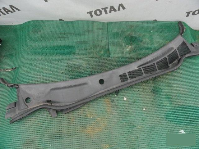 Решетка под лобовое стекло Toyota Camry ACV40 2AZFE (б/у)