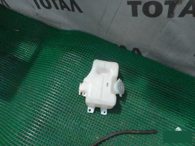 Бачок омывателя Mazda Mpv LVLR WLT задний (б/у)