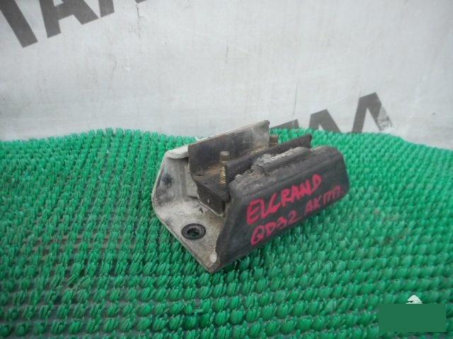 Подушка кпп Nissan Elgrand AVWE50 QD32ETI (б/у)