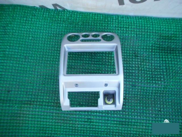 Консоль магнитофона Daihatsu Terios J100G HC (б/у)