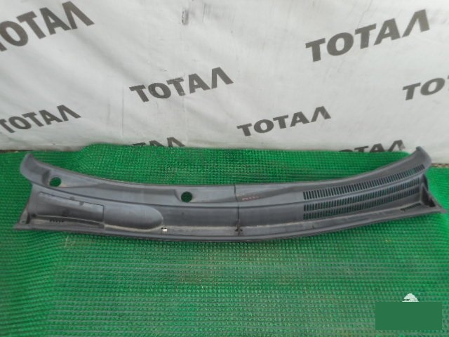 Решетка под лобовое стекло Toyota Prius NHW20 1NZFXE (б/у)