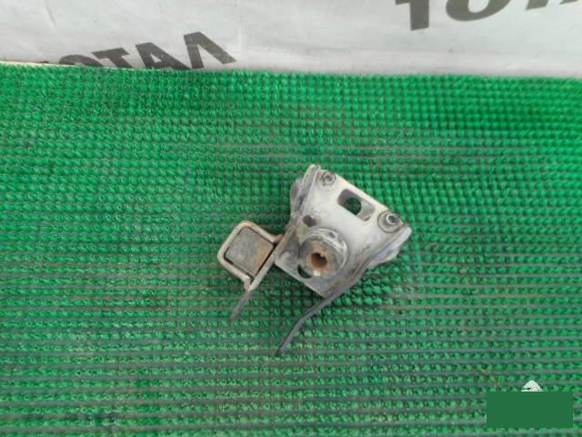 Подушка кпп Toyota Sprinter Carib AE114 4AFE (б/у)