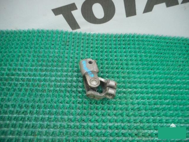 Рулевой карданчик Mazda Capella GF8P FP (б/у)