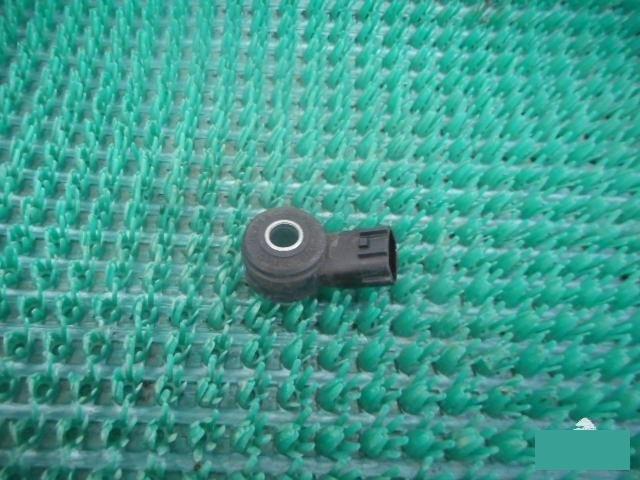 Датчик детонации Nissan Note E12 HR12DDR (б/у)