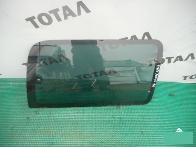Стекло салона Toyota Hiace Regius KCH46 1KZTE 1997 заднее правое (б/у)