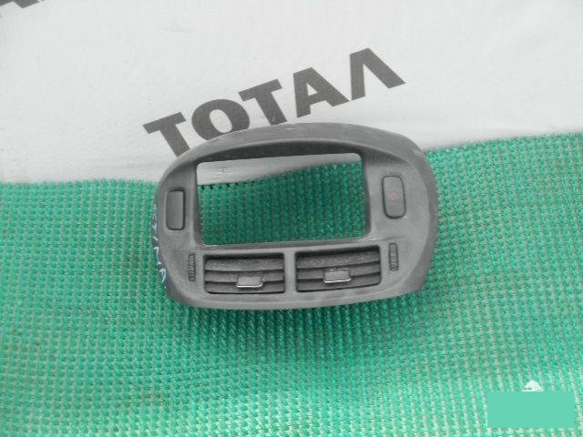 Консоль магнитофона Toyota Estima MCR40 1MZFE (б/у)