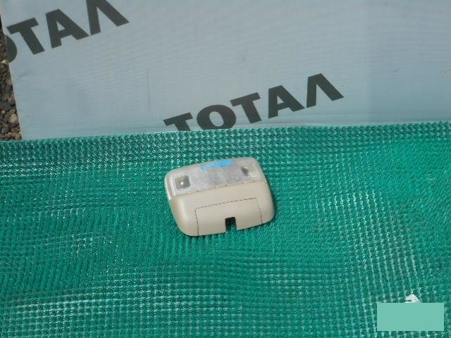 Светильник салона Toyota Granvia VCH16 5VZFE передний (б/у)