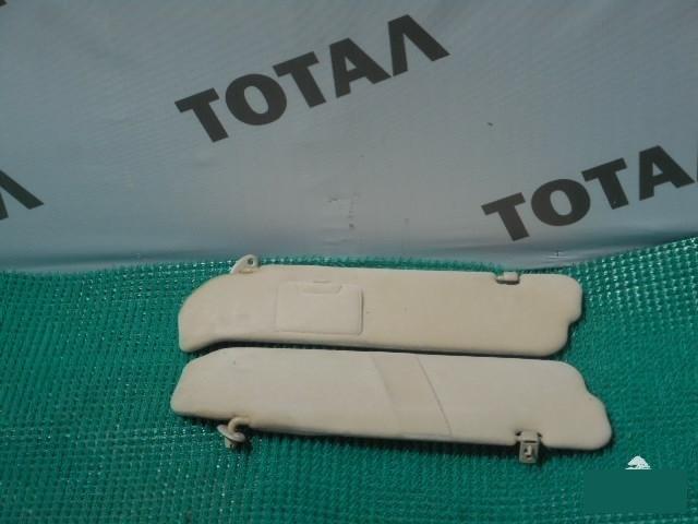 Козырек солнцезащитный Toyota Granvia VCH16 5VZFE (б/у)