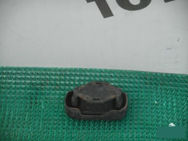Подушка двигателя Toyota Hiace Regius RCH47 3RZFE 1997 левая (б/у)
