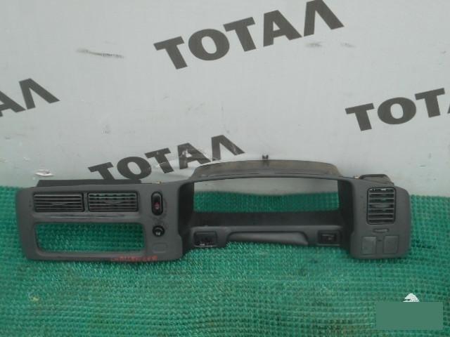 Консоль магнитофона Mitsubishi Challenger K96W 6G72 (б/у)
