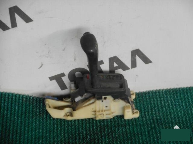Рычаг переключения кпп Toyota Sprinter Carib AE114 4AFE 1997 (б/у)