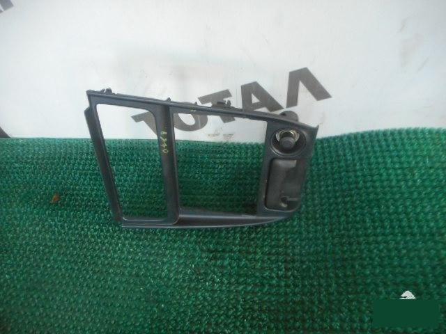 Консоль магнитофона Toyota Sprinter Carib AE114 4AFE (б/у)