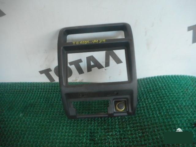 Консоль магнитофона Daihatsu Terios J100G HC 1999 (б/у)