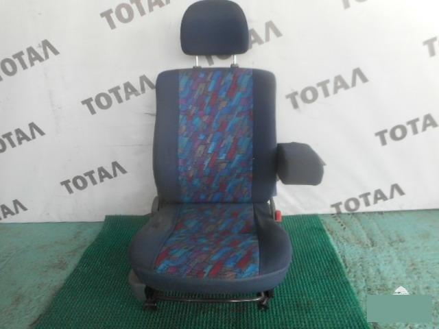Сиденье Daihatsu Terios J100G HC переднее правое (б/у)