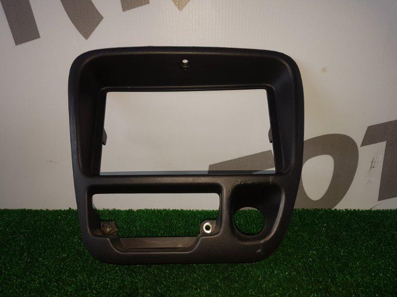 Консоль магнитофона Suzuki Escudo TA52W J20A 1998 (б/у)