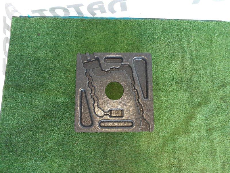 Обшивка багажника Toyota Allion ZZT245 1ZZFE 2004 нижняя (б/у)