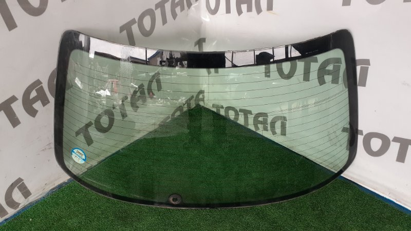 Заднее стекло Honda Torneo CF4 F20B 1998 (б/у)