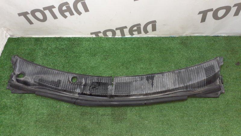Решетка под лобовое стекло Toyota Nadia SXN15H 3SFE 2000 (б/у)