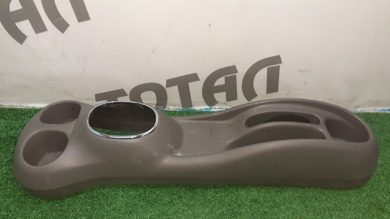 Бардачок между сиденьями Toyota Platz NCP16 2NZFE 2003 (б/у)