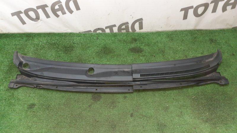 Решетка под лобовое стекло Toyota Corolla Spacio ZZE124 1ZZFE 2002 (б/у)