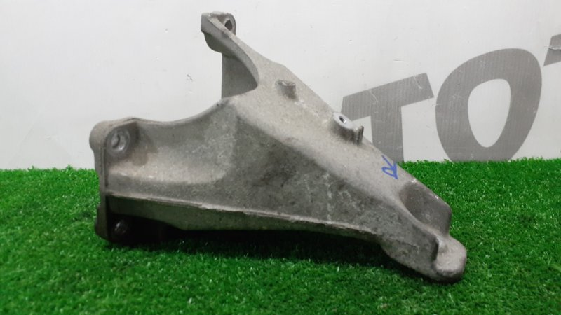 Кронштейн опоры двигателя Suzuki Escudo TA51W J20A 1996 правый (б/у)