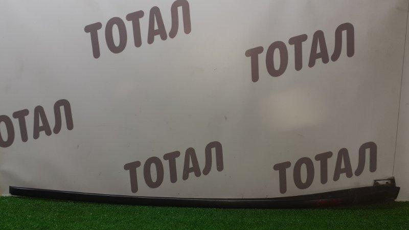 Молдинг лобового стекла Toyota Sai AZK10 2AZFXE 2010 правый (б/у)