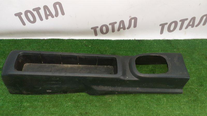 Бардачок между сиденьями Nissan Note E11 HR15DE 2005 (б/у)