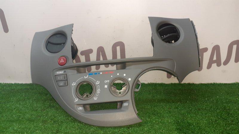 Консоль климат-контроля Toyota Sienta NCP85 1NZFE 2005 (б/у)