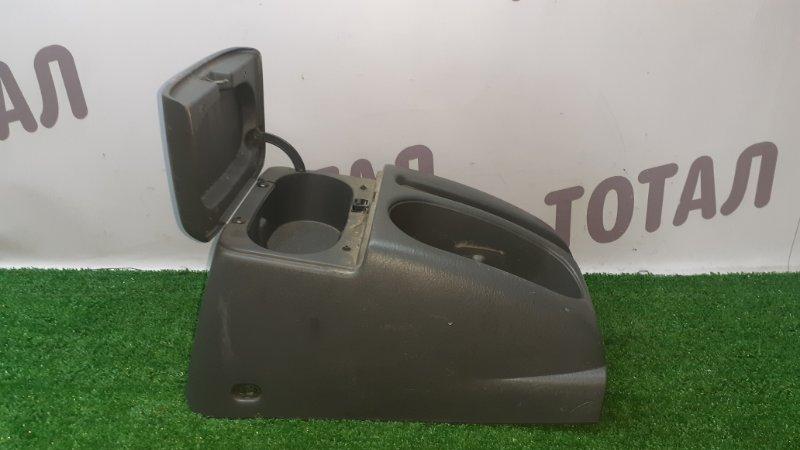 Бардачок между сиденьями Suzuki Escudo TA52W J20A 1999 (б/у)