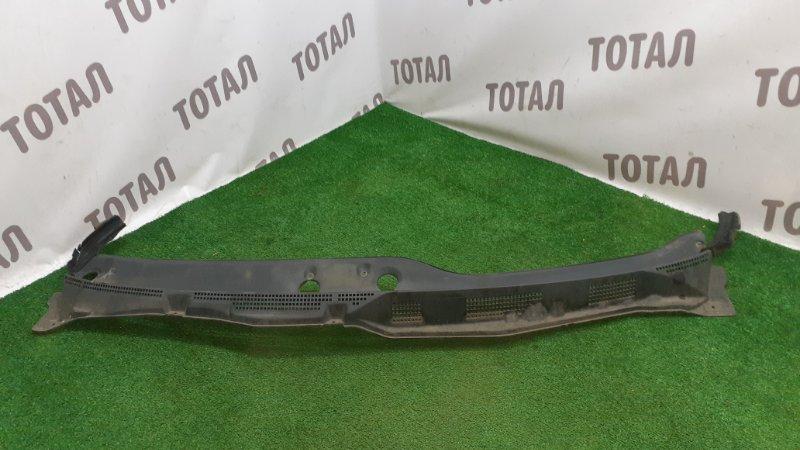 Решетка под лобовое стекло Nissan Presage NU30 KA24DE 1998 (б/у)