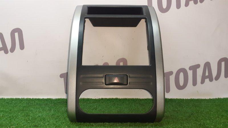 Консоль магнитофона Nissan X-Trail TNT31 QR25DE 2009 (б/у)