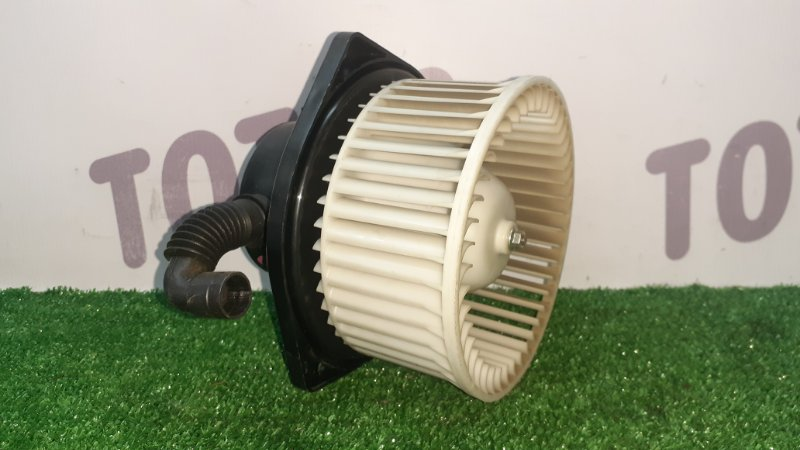 Мотор печки Mitsubishi Challenger K96W 6G72 (б/у)