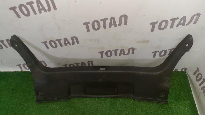 Планка под замок 5-й двери Nissan Fuga KNY51 VQ37VHR 2013 (б/у)