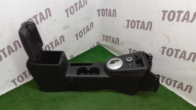 Бардачок между сиденьями Nissan X-Trail TNT31 QR25DE 2007 (б/у)