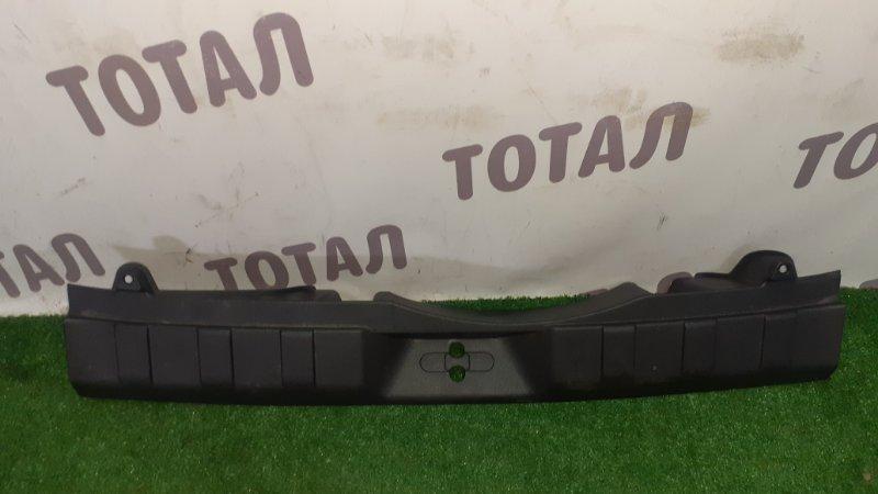 Планка под замок 5-й двери Nissan X-Trail TNT31 QR25DE 2007 (б/у)