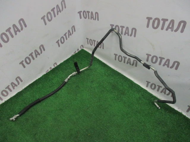 Трубки кондиционера Toyota Kluger MHU28 3MZFE 2005 (б/у)