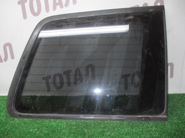 Стекло собачника Toyota Kluger MHU28 3MZFE 2005 переднее правое (б/у)