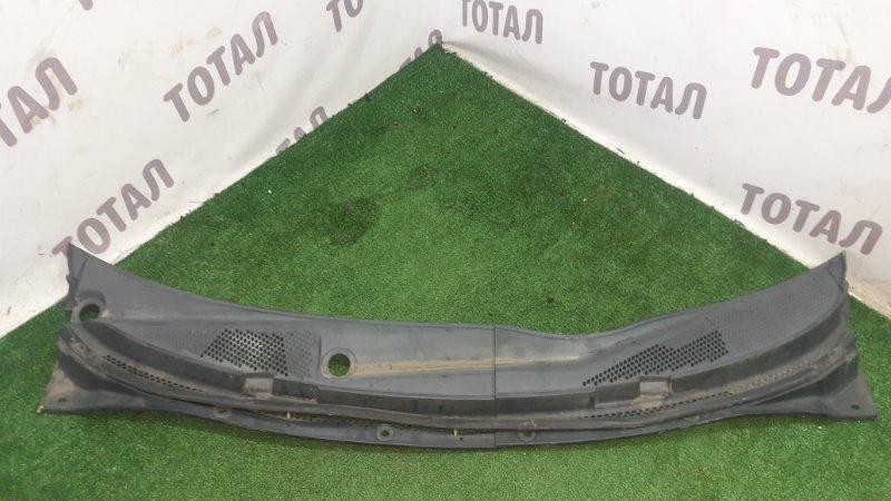 Решетка под лобовое стекло Nissan Primera TP12 QR20DE 2005 (б/у)