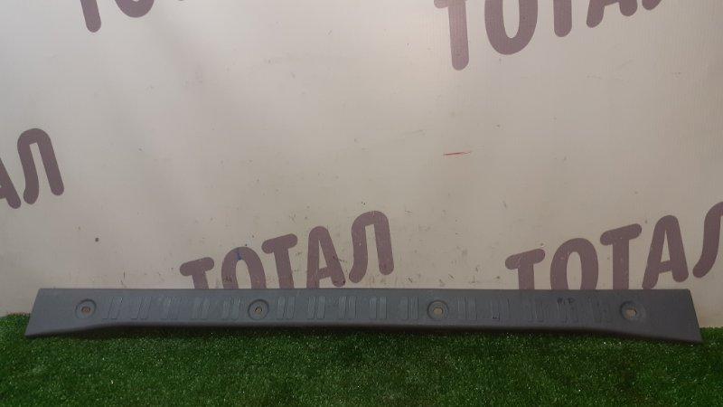 Планка под замок 5-й двери Toyota Cami J100E HC-EJ 2000 (б/у)