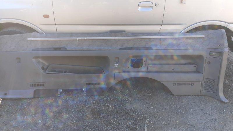 Обшивка багажника Nissan Elgrand AVWE50 QD32ETI 1997 правая (б/у)