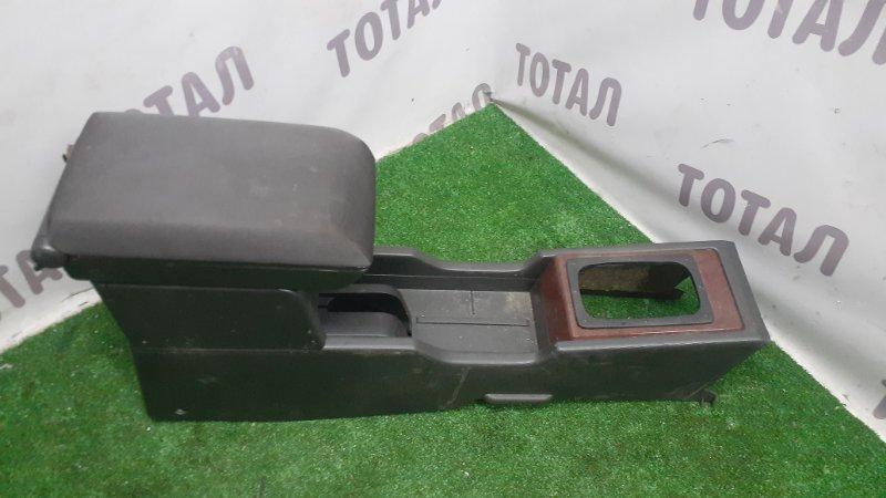 Бардачок между сиденьями Nissan X-Trail PNT30 SR20VET 2001 (б/у)