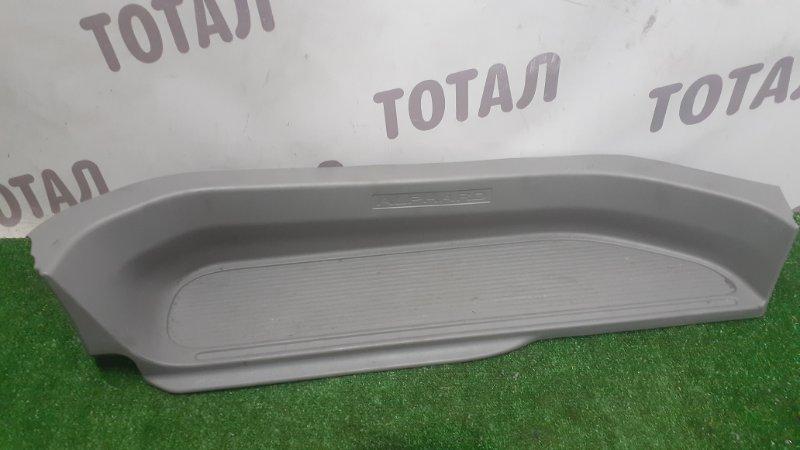 Накладка на порог Toyota Alphard ANH15 2AZFE 2002 задняя правая (б/у)